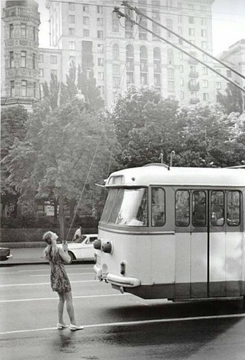22 черно-белых снимка, которые показывают неожиданную сторону жизни прошлых поколений