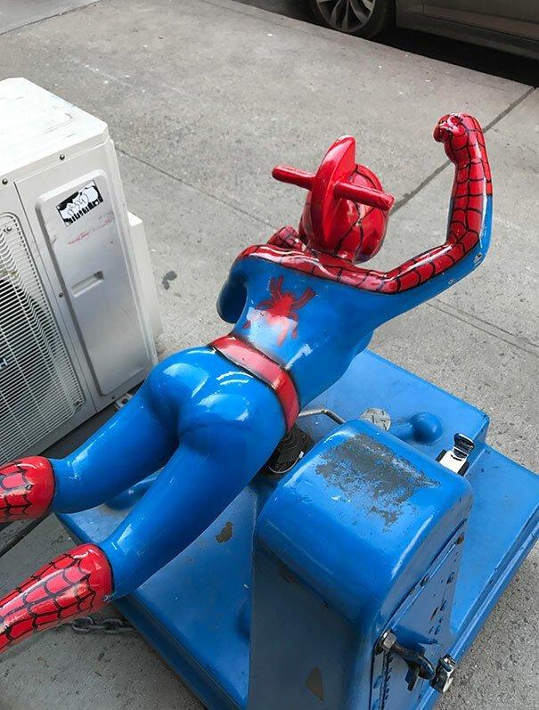 12. Бедный человек-паук дети, детская площадка, казус, пошло, смешно, фрейд, юмор