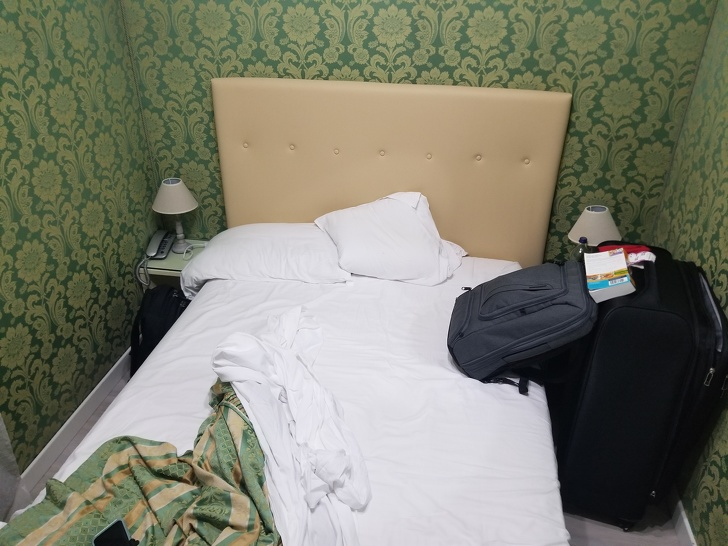 19пользователей сети рассказали охудших отелях, вкоторых имдовелось побывать