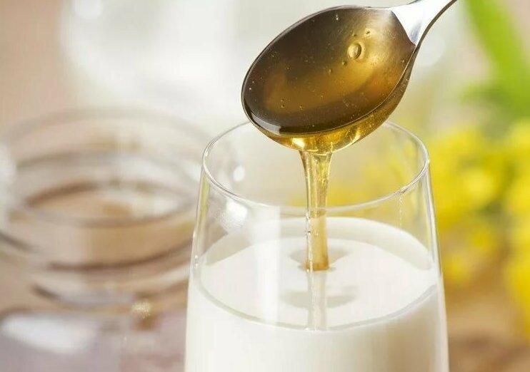 Молоко, мёд, малина СССР, банки, врач, дети, детство, йод, лечение, народная медицина, подорожник, родители