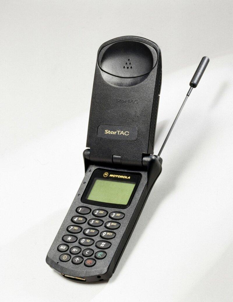 14. Motorola StarTAC модели телефонов, нокиа, самсунг, телефоны, телефоны юности, фото