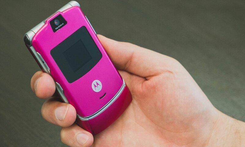 16. Motorola Razr модели телефонов, нокиа, самсунг, телефоны, телефоны юности, фото