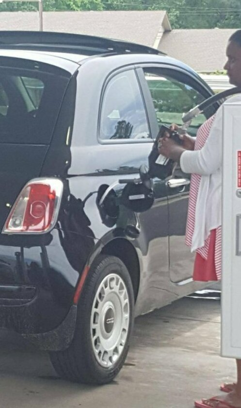 Ну вот и приехали: 0,9 вместо литра азс, бензин, горючее, заправка, подборка, прикол, случаи на заправке, юмор