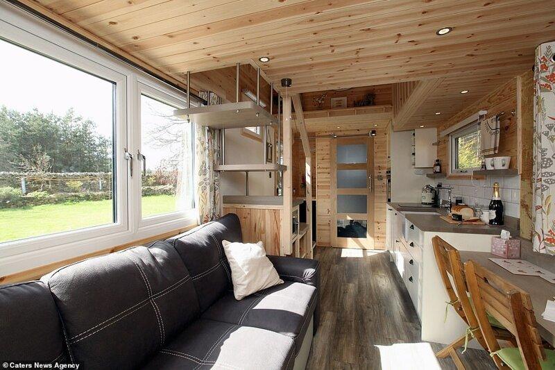 Парень построил себе эко-дом на колесах, и теперь продает такие по всему миру дом, жилье, история, строитель, строительство, эко-дом, экодом, экологичный дом