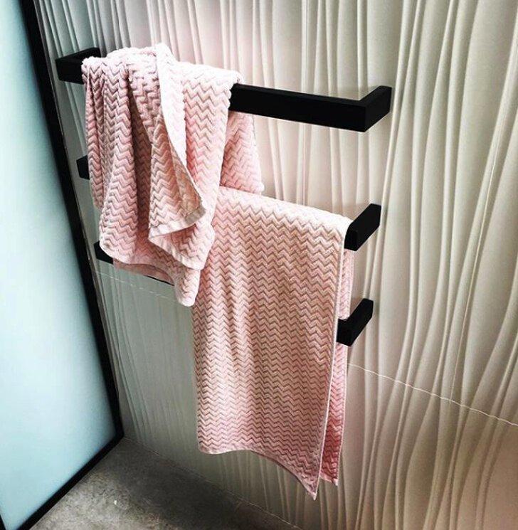 Угадайте: где полотенце парня, а где - девушки? женская логика, женщины с Венеры, мужчины с Марса, отношения, понимание, смешно, юмор
