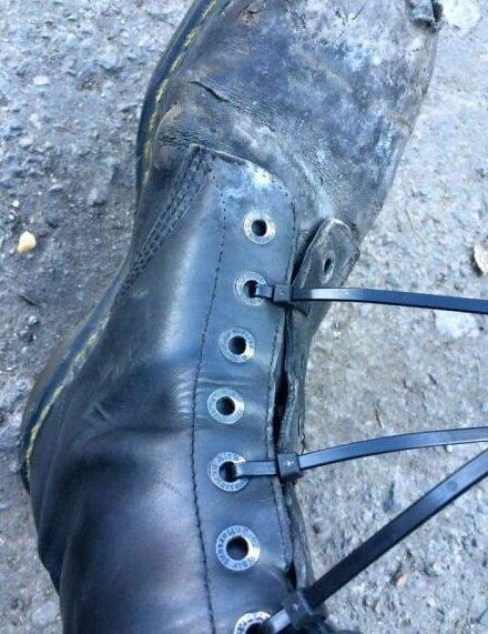 Порвались шнурки? Не беда кабельная стяжка, подборка, прикол, хомут, хомуты, юмор