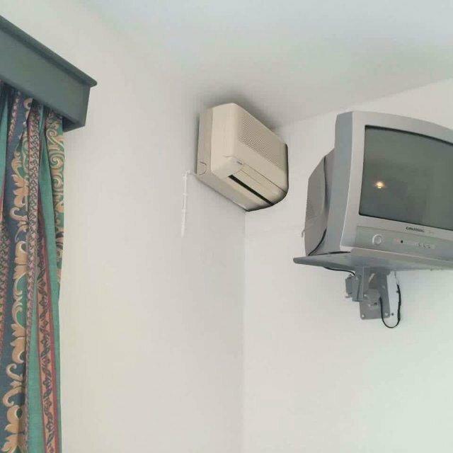 7. Один кондиционер на 2 комнаты дизайн, прикол, смешно, ужасный дизайн, фото