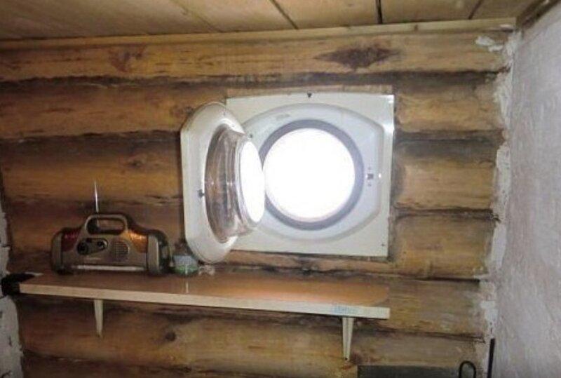 7. Окно в бане из люка стиральной машинки гении из народа, идиоты, народный умелец, оригиналы, прикол, смекалка, фото