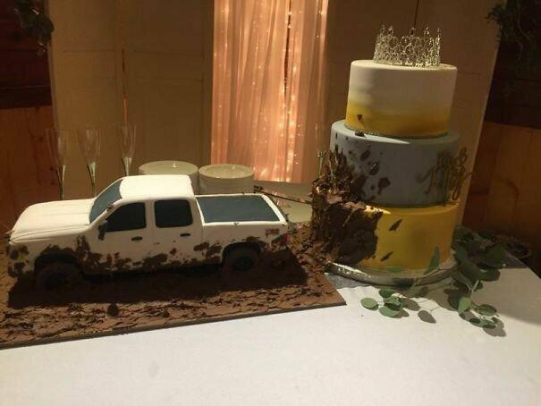Страшновато идти на свадьбу, где будут подавать такой свадебный торт! буйство фантазии, забавно, мастера, очумелые ручки, поделки, смешно, странные люди, удивительное рядом