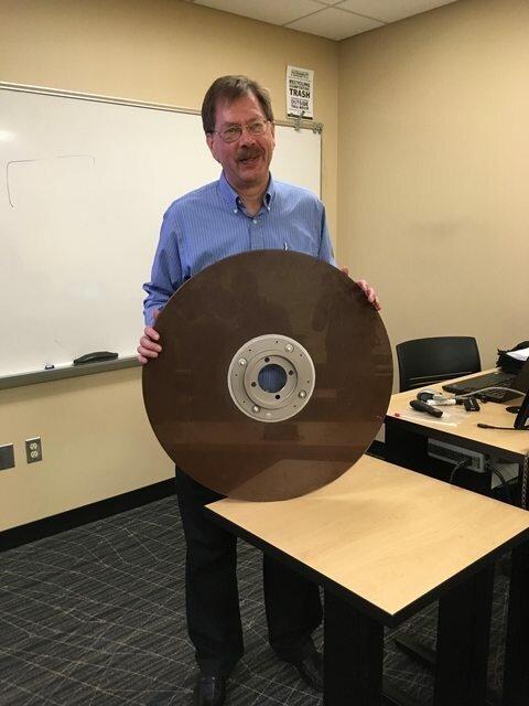10-мегабайтный жесткий диск, 1960 г интересно, красиво, фото