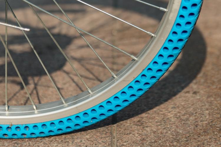 13. Безвоздушные шины, напечатанные на 3D-принтере, облегчают жизнь велосипедистам интересно, любопытно, обо всем на свете, полезно, прикольно, факты, фото