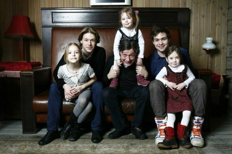 Михаил Ефремов жена, заботливый, многодетный, отец, появился на свет, семья