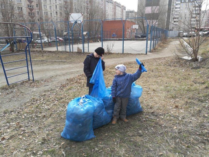 А вычистить собственный двор, учась этому с детства - непревзойденный опыт и светлое, доброе будущее доброта, люди, форма, человечность