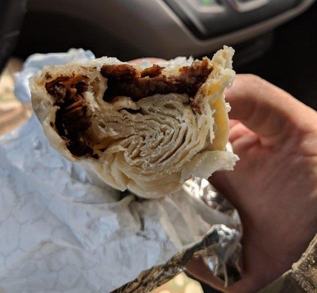 1. Тортилья с мясом оказалась на 90% из теста бесполезные покупки, деньги на ветер, неудачные покупки, смешно, фото