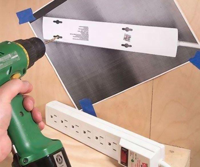 1. Если вам нужно сделать отверстия в стене для какой-нибудь конкретной вещи, просто сделайте её ксерокопию и прикрепите на стену. гениально, для дома, идеи, подборка, полезное, полезные идеи, советы, хитрости