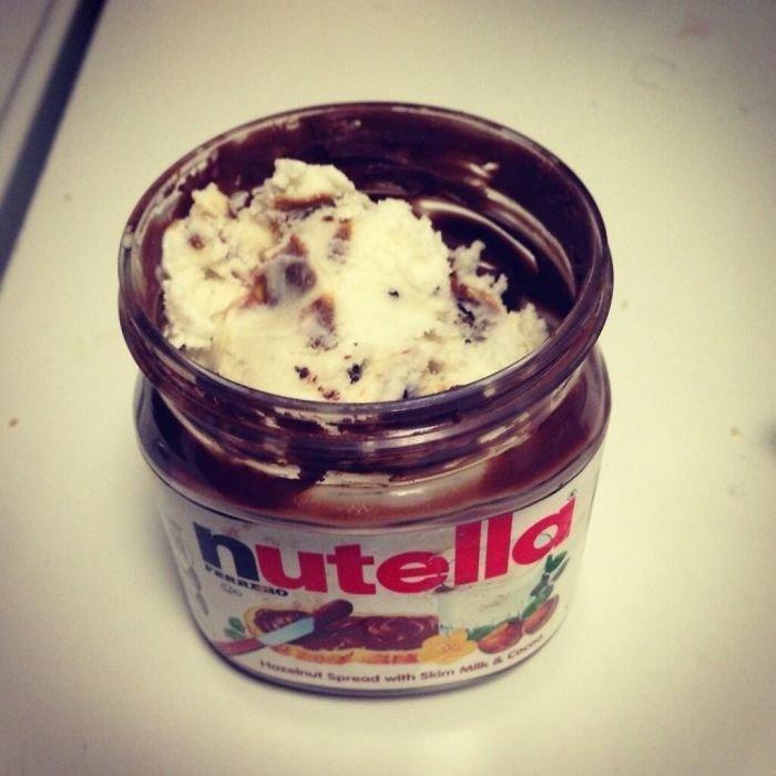 16. Для сладкоежек: в опустевшую банку от Nutella можно положить мороженое! гениально, для дома, идеи, подборка, полезное, полезные идеи, советы, хитрости