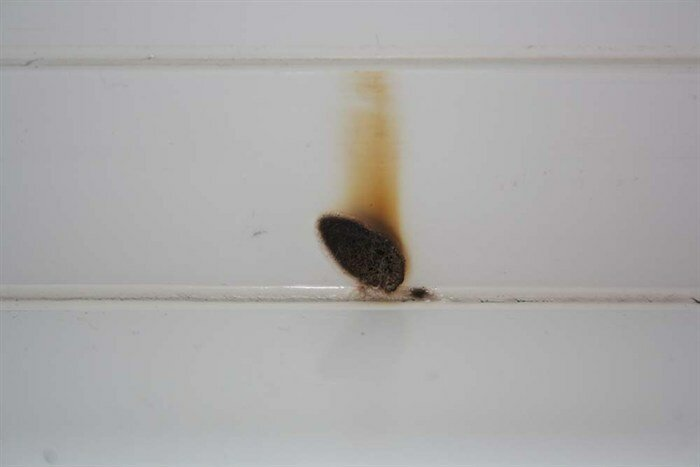 11. зеркало, зеркало у окна, неудача, поджег, пожар, прожгло, фото