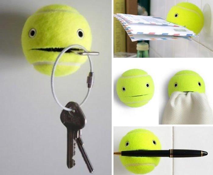29. Теннисный мячик как держатель для ключей и других мелочей гениально, для дома, идеи, подборка, полезное, полезные идеи, советы, хитрости