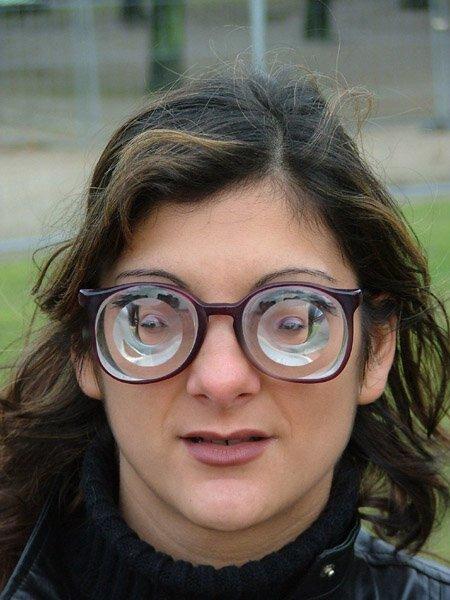 5. Нет, это не товар из лавки приколов, а специальные очки с диоптриями для людей, чье зрении - 20 интересно, любопытно, обо всем на свете, полезно, прикольно, факты, фото