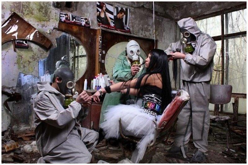 Но фотосессии с визажистами, парикмахерами и прочими атрибутами гламурной жизни - модно и молодежно - по мнению многих - перебор Instagram, Припять, Чернобыль, возмущение, модно, фотосессии