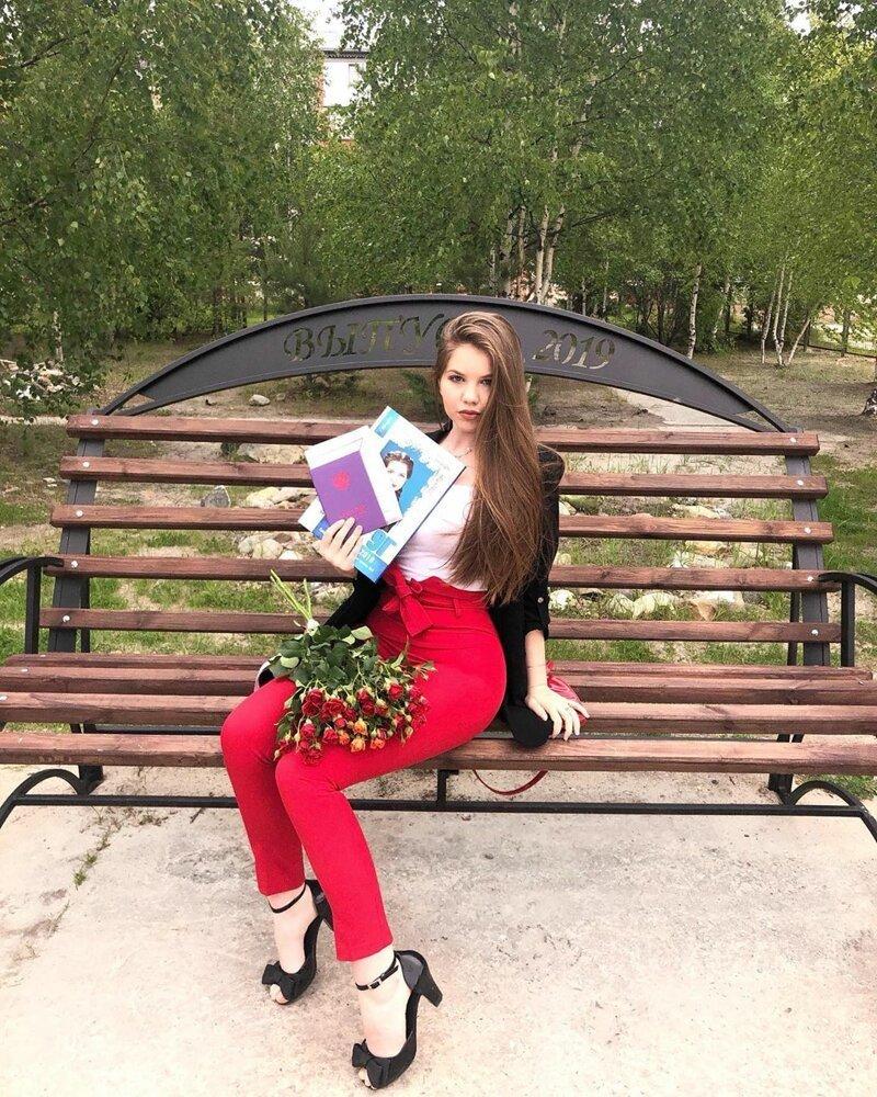 7. выпускница, выпускной, девушка, красота, платье, школа