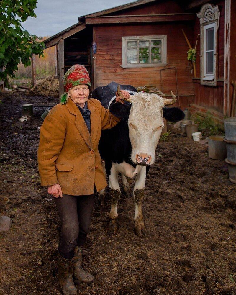 3. И соседи были дружелюбными бабушка, глубинка, деревня, детство, русская деревня, фото