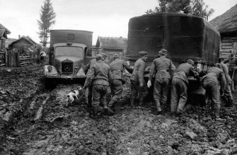 5. На дороге советской деревни Mercedes-Benz, 1941 год интересно, исторические фото, история, фото, фото из прошлого