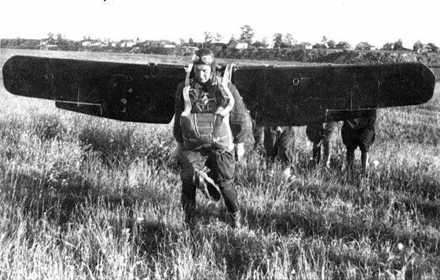 9. Эксперименты советских солдат с вингсьютом, 1935 год интересно, исторические фото, история, фото, фото из прошлого