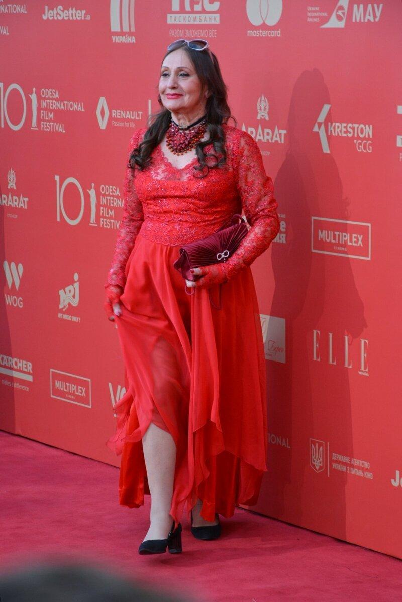 Состарившаяся цыганка Аза? кинофестиваль, красная дорожка, мода, наряды, одесса, открытие кинофестиваля