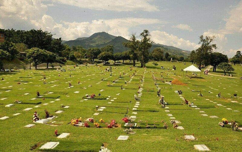 Бланко была застрелена 3 сентября 2012 года в Медельине проезжавшим мотоциклистом, захоронена на кладбище «Сады Монтесакро», Итагуи, Колумбия кладбище, маньяки, могилы, преступники, самые известные, факты