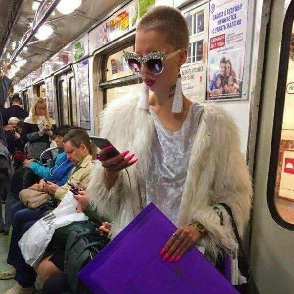 10. Гламурненько идиоты, метро, московское метро, питерское метро, подземка, прикол, фрики из подземки