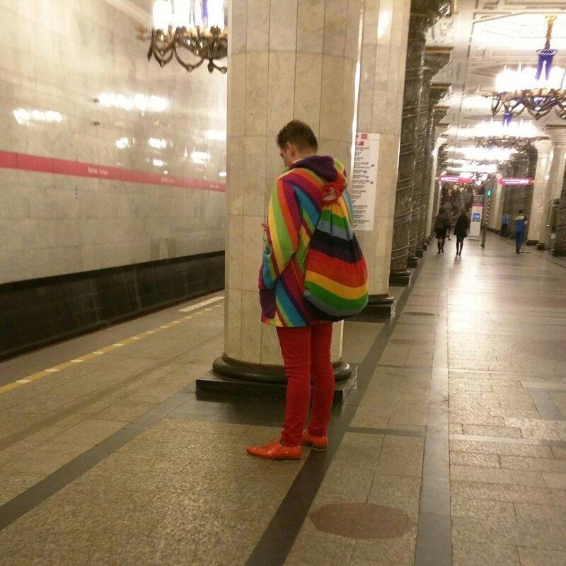 9. ЛГБТ уже и в Питере? идиоты, метро, московское метро, питерское метро, подземка, прикол, фрики из подземки