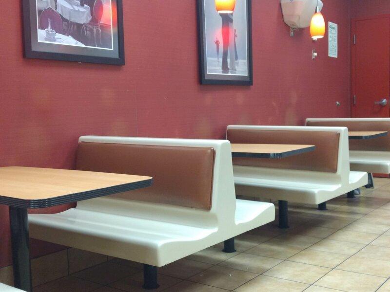 14. В круглосуточном кафе следы на стене от спящих гостей время, время неумолимо, до и после, интересно, со временем, фото