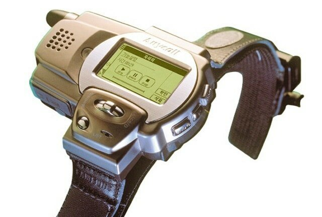 13. Первые в истории часы-телефон Samsung SPH-WP10, 1999 год жизнь, исторические фото, история, прошлое, фото