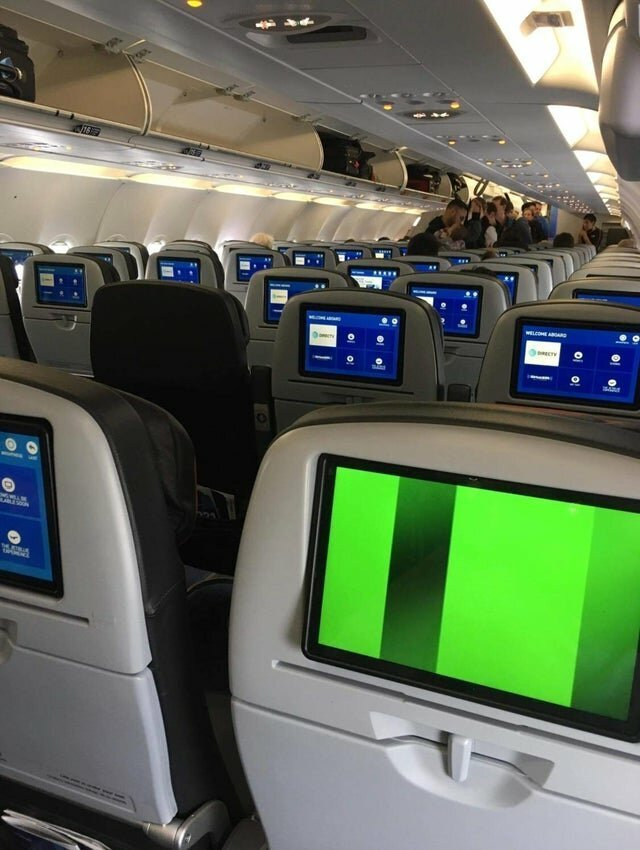 """Теперь понятно кто самый """"везучий"""" человек в самолёте? дни, моменты, невезучие, полоса, фото, чёрная"""