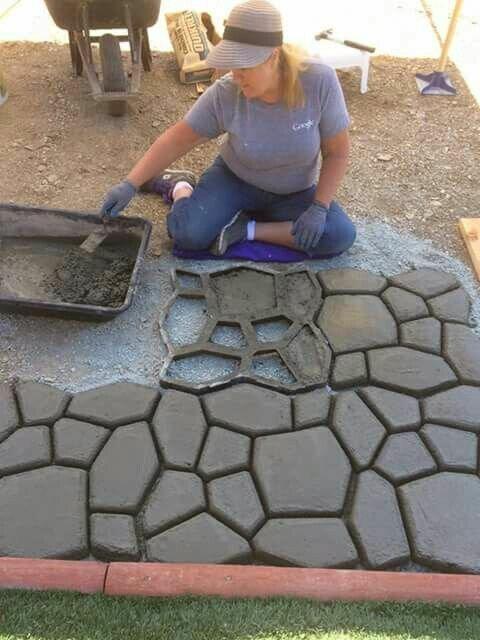 10. Цемент и форма для дорожки Фабрика идей, дачники, идеи для дачи, красиво, огород, сад, у дома
