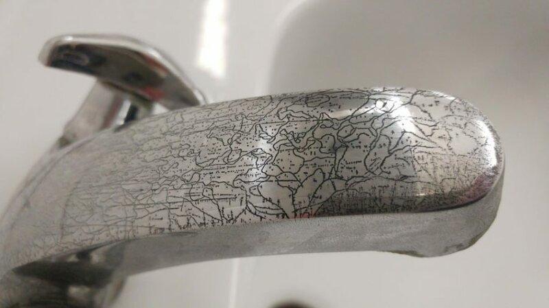 14. «Ржавчина на кране напоминает карту» обман зрения, фото, фотография
