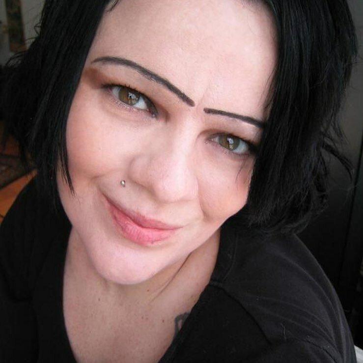 10. брови прикол, бровястые дамы, девушки, девушки и брови, жуткие брови, макияж, прикол
