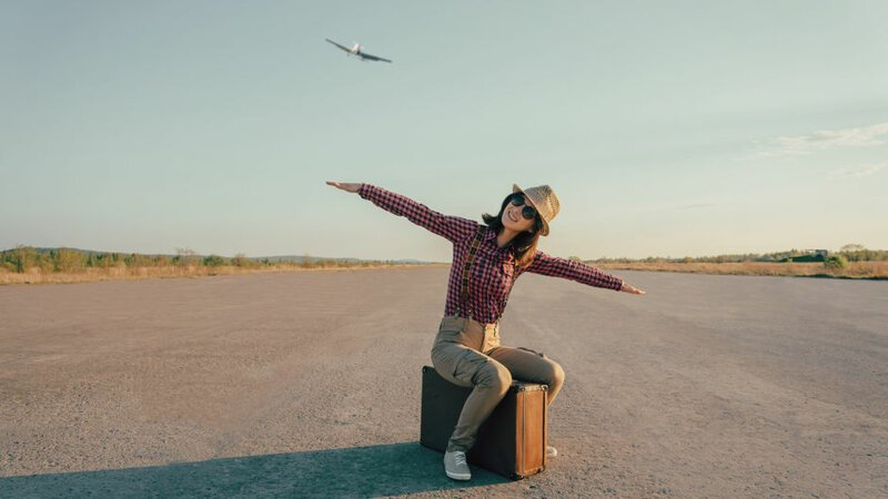 """5. """"В зависимости от авиакомпании, мы иногда можем летать бесплатно. Есть такая льгота, правда, не у всех авиакомпаний. Другие предоставляют бортпроводникам скидки"""""""