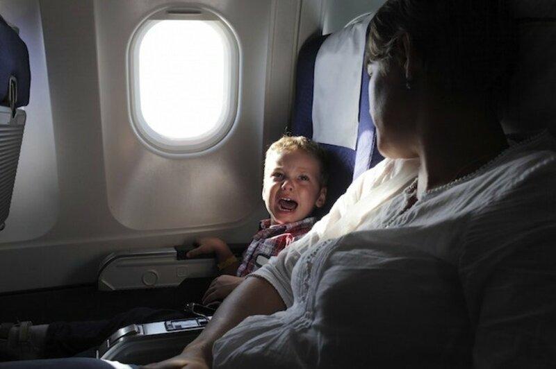"""3. """"Мы никогда не привыкаем к плачу детей на борту. Ты просто как будто прекращаешь их слышать, но привыкнуть - нет"""""""