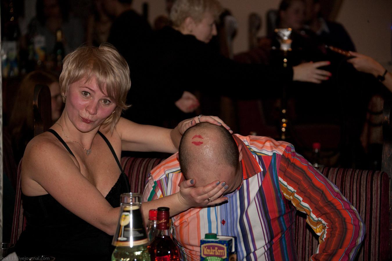 Пьяные тетки дают во все, Порно пьяных зрелых женщин. Русское порно со зрелыми 24 фотография